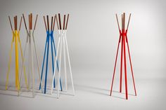 Modern Splash Coat Rack for design conscious people by Blu Dot. It's power-coated steel with solid walnut stand, definitely not your traditional coat rack Hat And Coat Stand, Coat Stands, Standing Coat Rack, Coat Hanger, Coat Racks, Rack Design, Furniture Catalog, Stick Figures, Elegant