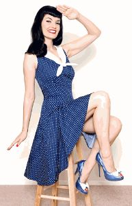 Love the pin up girl style