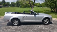 Car brand auctioned: Ford Mustang Convertible 2006 mustang convertible excellent condition low miles