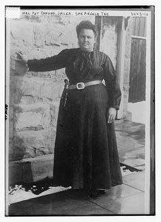 Mrs. Patrick Conway seems to have been the only woman jailer (especially one not specifically in charge of a women's prison) in the country as of December 1921; she was jailer at the Tom Green County Jail for more than a dozen years. She personally cooked the prisoners' meals and was known to use physical force to protect herself from the inmates and to maintain order.