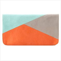 Shiraleah Accessories: Add a touch of extra Chic to any outfit with this fun and Fashionable clutch.L 10.5