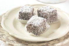Pudding, Menu, Cupcakes, Food, Fotografia, Menu Board Design, Cupcake Cakes, Custard Pudding, Essen