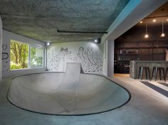 urban-man-cave-8-4x3r