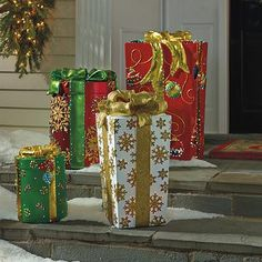 Passersby will delight in the cheerful Green Fiber-optic Gift Box that dazzles with an ever-changing light display. Christmas Time, Christmas Holidays, Christmas Crafts, Merry Christmas, Christmas Recipes, Christmas Ideas, Christmas Present Wrap, Christmas Presents, Large Christmas Decorations