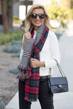 A Perfect Color Combo For The Holidays Over 50 Womens Fashion, 50 Fashion, Ladies Fashion, Fashion Ideas, Fashion Beauty, Blazers For Women, Jackets For Women, Scarf Outfits, Mohair Sweater