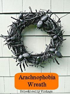 Spooky Spider Wreath - perfect Halloween decorations DIY idea!  eclecticallyvintage.com