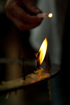 "Haiku poem by YOSA Buson (1716~1784), Japan:  燭の火を燭にうつすや春の夕 ""Lighting one candle / with another candle / spring evening"""