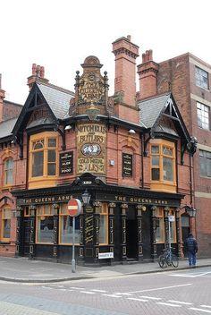 9f2e8f81e364475115a963074efb5784.jpg (JPEG Image, 428×640 pixels) The Queens Arms - Birmingham, England.  https://www.flickr.com/photos/focalplane/