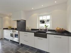 Een granieten werkblad, aanrechtblad, in een keuken is voor veel mensen het toonbeeld voor keukenluxe. Graniet is een materiaal dat..