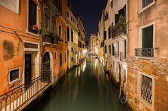 Reposting @jonpainterphoto: Ahhhh, Venice.  #travel #Venice #Italy #gramslayers . . . . . . . . . . . . #exploretheworld #doyoutravel #travelblogger #igers #travelbug #travelgram #travelphotography #photography #travelling #photographer #igers_orlando #traveling #travelblog #tourism #travelingram #photooftheday #travelpics #streetphotography #photographylovers #nightphotography #night #nightscape