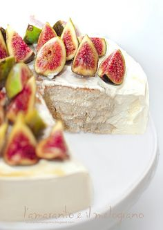 fig cake with honey cream and mascarpone. Cupcakes, Cupcake Cakes, Fig Recipes, Cooking Recipes, My Favorite Food, Favorite Recipes, Fig Cake, Brownies, Cold Cake