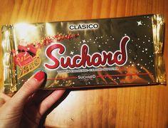 En realidad esto es lo que más mola de la Navidad jajaa Gracias @cantal estoy esperándote para abrirlo #chocolate #sweet #dulce #navidad #christmas #gastro #foodie #instafood #pornfood #yummy #madrid #happy #weekend #findesemana by inesromera