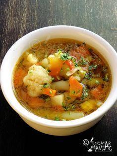 Reteta de Ciorba de legume – ciorba de post New Recipes, Soup Recipes, Vegan Recipes, Cooking Recipes, Romanian Food, Soup And Salad, Food Videos, Quiche, Main Dishes