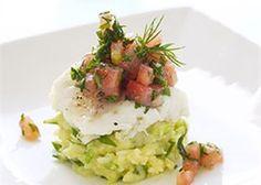 Gepocheerde kabeljauw met puree van lente-uitjes en tartaar van tomaat