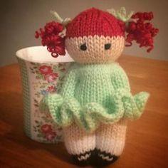 Mesmerizing Crochet an Amigurumi Rabbit Ideas. Lovely Crochet an Amigurumi Rabbit Ideas. Knitted Dolls Free, Knitted Doll Patterns, Baby Boy Knitting Patterns, Knitting For Kids, Loom Knitting, Crochet Dolls, Knitting Projects, Baby Knitting, Knitting For Charity