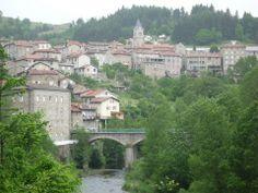 Le Cheylard - Ardèche dept. - Rhône-Alpes region, France      ...hautlepied.blogspot.com