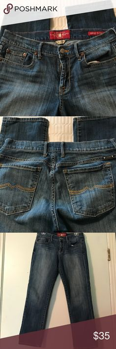 Lucky brand sweet crop jeans, size 4/27. Lucky brand, sweet crop jeans, size 4/27. The inseam is 26 inches. Excellent used condition. Thanks for visiting my closet! Lucky Brand Jeans Ankle & Cropped