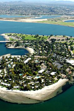 Located on a private island in Mission Bay, Paradise Point has all the ingredients for a family vacation. #Jetsetter