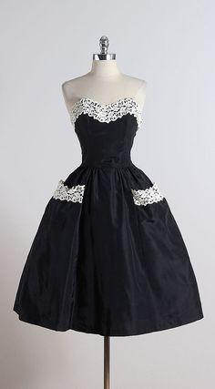NIGHTFALL ➳ vintage 1950s dress * black acetate * white macramé lace accents * optional straps * pockets * metal side zipper condition | excellent fits