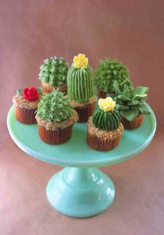 Cactus Cupcakes #cupcakes #cupcakeideas #cupcakerecipes #food #yummy #sweet #delicious #cupcake