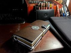 Midori Traveler's Notebook: the cult of adventure journaling Adventure Holiday, Adventure Travel, Adventure Time, Art Journal Techniques, Travelers Notebook, Bookbinding, Filofax, Moleskine, Travel Accessories