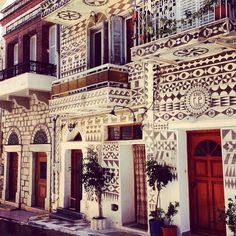 Patterned facades in Chios, Greece. Photo courtesy of hoponhopofftravel on Instagram