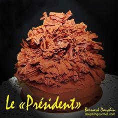 Gâteau mythique, spécialité de la maison Bernachon à Lyon, il fût créé en 1975 à l'occasion du dîner donné en l'honneur de la remise de la légion d'honneur à Paul Bocuse.