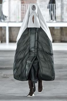 See all the Collection photos from Rick Owens Autumn/Winter 2017 Ready-To-Wear now on British Vogue