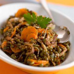 Découvrez la recette Salade de lentilles aux carottes et lardons sur cuisineactuelle.fr.