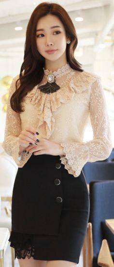 StyleOnme_Three Button Lace Hem Detail Mini Skirt #mini #skirt #koreanfashion #kstyle #kfashion #feminine #lace #datelook