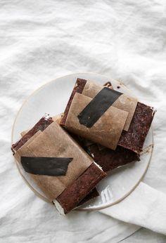 Torkkuja & Nokkosia: Minttu puffetin pikkuserkku // Mint ice cream sandwich, gluten and dairy free!