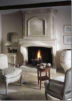 Cote de Texas / Fabulous Limestone Fireplaces