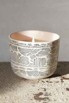 Amari Ceramic Candle - Urban Outfitters