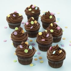 Chocolate Frosting DIY: made from scratch and simple to do!