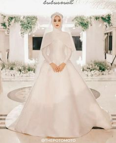 Muslim Wedding Gown, Muslimah Wedding Dress, Muslim Wedding Dresses, Dream Wedding Dresses, Bridal Dresses, Wedding Gowns, Bridesmaid Dresses, Wedding Hijab Styles, Muslim Brides