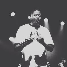 Shout out to @chali_2na for sounding that much more awesome live then he does on a track. You killed it sir! #jurassic5 #j5 #chali2na #hiphop #vsco #vscocam #HollywoodMusicWeek #HwoodMusicWeek @HwoodMusicWeek Courtesy of szcepannowak