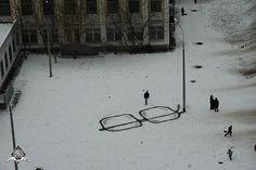 http://zulucreative.co.uk/uploads/street-art/large/street-art-12.jpg