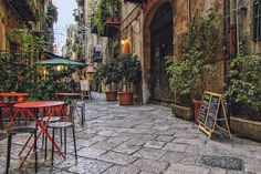 Inside the narrow streets of Palermo by f-alamia