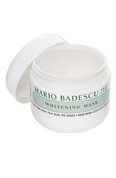 Reduce uneven skin tone from minor pigmentation and old acne scarring while the soothing effects of calming botanicals minimize redness and sensitivity. Mild clay-based formulation keeps pores tight and clean.