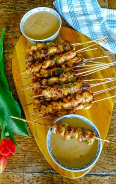 I have finally nailed the perfect chicken satay recipe! Anyway, after a process of trial and deliciously sticky (pun intended) error, I finally think I got it! Indian Food Recipes, Asian Recipes, Healthy Recipes, Thai Food Recipes, Diet Recipes, Tapas Recipes, Uk Recipes, Kebab Recipes, Sauce Recipes