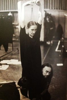 Yohji Yamamoto with Pina Bausch in Wuppertal, - Photo Ballet, Pina Bausch, Modern Dance, Modern Photography, Lets Dance, Yohji Yamamoto, Mode Inspiration, Fashion Inspiration, Images