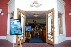 Wyland Galleries; Art and Paintings by Artist Wyland @ Disney Boardwalk Orlando. This is the 4th Wyland Gallery I have been to, each with unique art work by Wyland; one of my favorite artisit!
