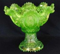 Memphis punch bowl & base - ice green Fairy Lamp, Green Home Decor, Tiffany Glass, Vaseline Glass, Punch Bowls, Carnival Glass, Vintage Glassware, Hand Blown Glass, Colored Glass