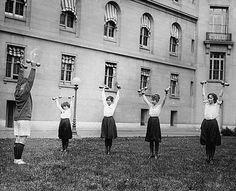 Work it ladies. (I love weird old photos)