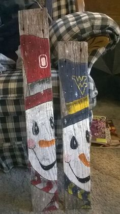 What a cute idea to do with pallets. Pallet Christmas, Christmas Signs, Rustic Christmas, Christmas Art, Christmas Projects, Winter Christmas, Christmas Decorations, Snowman Decorations, Christmas Ideas