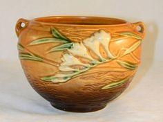 Roseville Pottery Brown Freesia Jardini�re 669-4