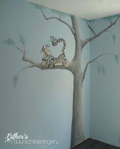 Muurschildering Tijgertje voor op de babykamer of kinderkamer. Bekijk ook mijn Facebookpagina:  https://www.facebook.com/esthersmuurschilderingen/