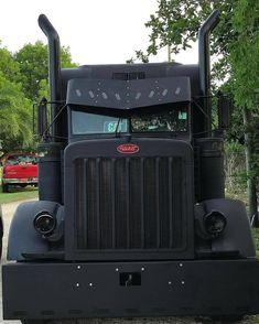 The truck that Peterbilt. Show Trucks, Big Rig Trucks, Lifted Trucks, Mack Trucks, Custom Big Rigs, Custom Trucks, Accessoires 4x4, Freight Truck, Rv Truck