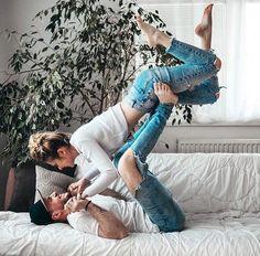 love inspiration | couple goals | weekend vibes | kiss | urban romantix | Fitz & Huxley | www.fitzandhuxley.com
