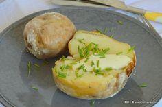 Cartofi copti in sare. Cartofi intregi copti cu coaja cu tot in crusta de sare…